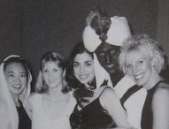 Появи се снимка от преди 20 години на премиера на Канада с боядисано в кафяво лице