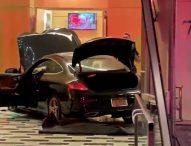 Автомобил се вряза в сграда, собственост на американския президент Доналд Тръмп