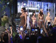 Амазон излъчва видео стрийм на колекцията бельо на Риана
