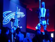 Роботизирани танцьорки на пилон ще работят във френски нощен клуб