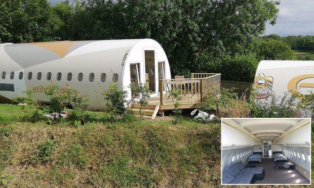 Стар самолет бе превърнат в хотелска стая