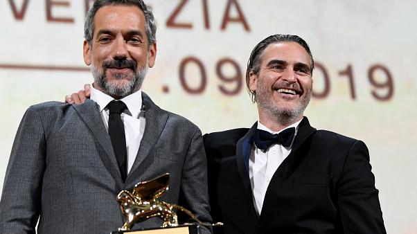 """""""Жокера"""" спечели """"Златен лъв"""" за най-добър филм на кинофестивала във Венеция"""