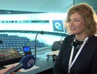 Европейският парламент и преводачите, без които не може