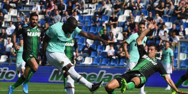 Интер спечели в драматичен мач срещу Сасуоло с 4:3