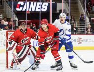 Каролина продължава без загуба в НХЛ след успех над Тампа Бей