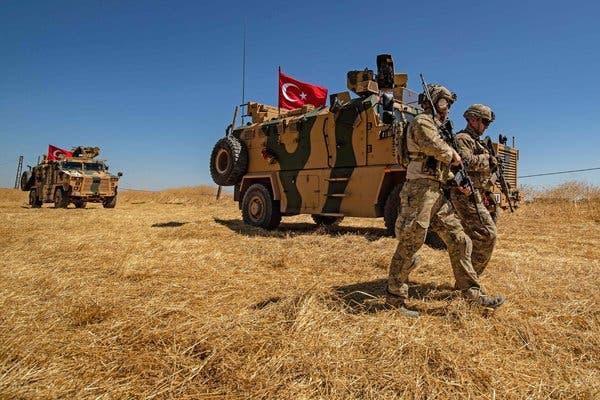 Турция започна операцията в Сирия с въздушни удари и артилерийски обстрел
