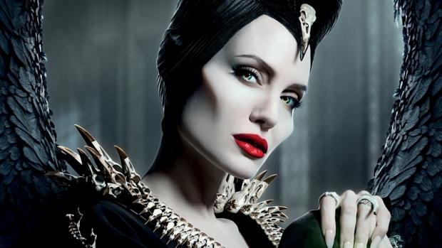 """Разкриха тайната на крилата на """"Господарката на злото"""" Анджелина Джоли"""