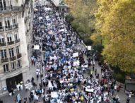 Протест на здравни работници в Париж