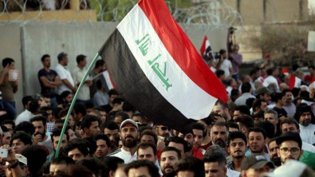 Десетки ранени демонстранти, след като протестите в Ирак бяха възобновени