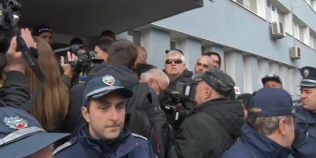 Жителите на Перник на протест срещу водния режим в града