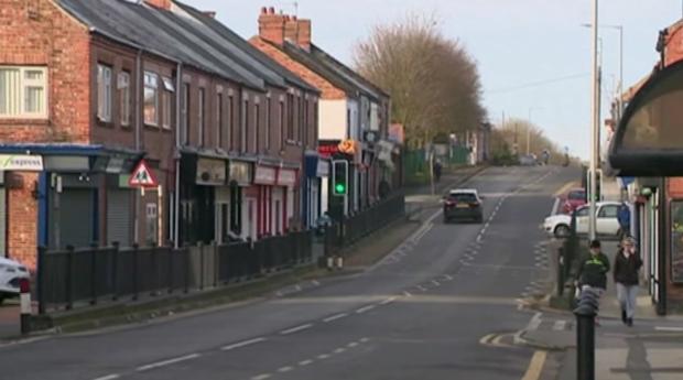 Пълна мистерия – жители на английско село намират за пореден път пачки банкноти