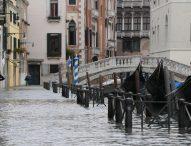 Италианският град Венеция е наводнен, съобщава се за жертви