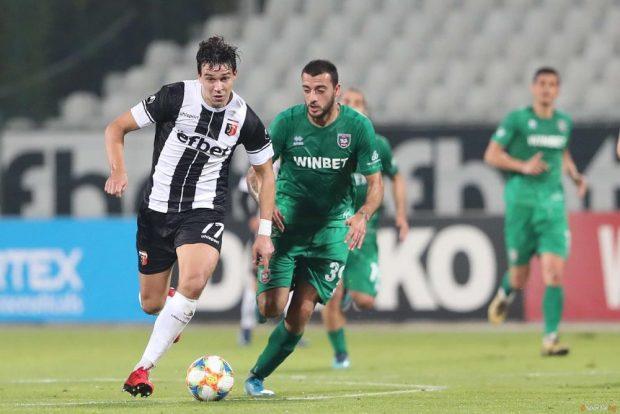 Локомотив Пд. отново е на второ място след 2:0 над Ботев Враца