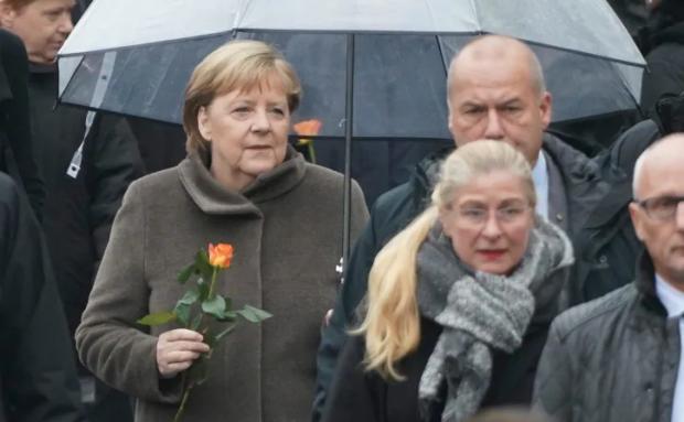 Германия отбелязва 30 години от падането на Берлинската стена