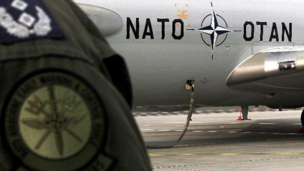 Министрите на отбраната на НАТО обсъждат разходите на Алианса и ще открият космически център