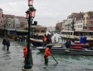 Обявиха извънредно положение във Венеция заради наводненията