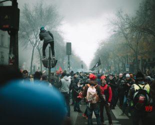 Заради протестите – придвижването в Париж е почти невъзможно