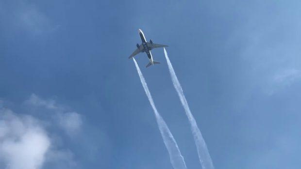 60 души пострадаха, след като самолет изхвърли гориво над Лос Анджелис