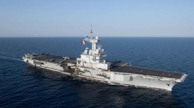 """Франция изпраща самолетоносача """"Шарл де Гол"""" за подпомагане на военните операции в Близкия изток"""