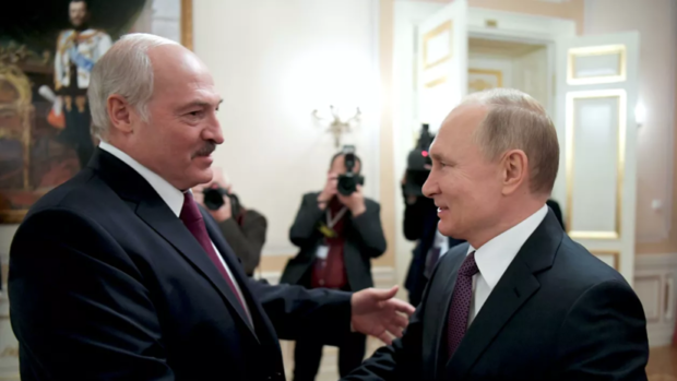 Лукашенко е поискал от Путин нови оръжия за Беларус