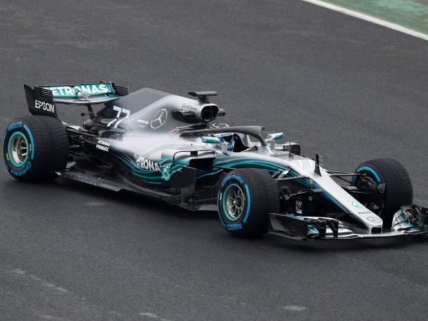 Мерцедес показаха болида, с който ще гонят нова титла във Формула 1