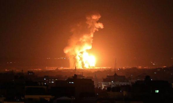 Израел нанесе въздушни удари в ивицата Газа след палестински обстрел