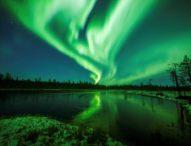 Цветна феерия на Северното сияние озари небето над Лапландия