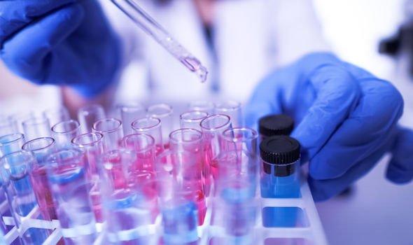 Имунолог: Колективният имунитет може да бъде постигнат не чрез преболедуване, а чрез ваксина