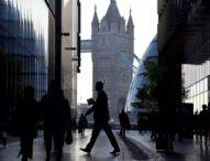 Великобритания с рестрикции към нискоквалифицираните кадри