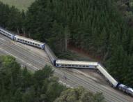 Двама загинаха при дерайлиране на влак в Австралия