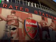 Арсенал поставя статуя на Венгер пред стадиона си