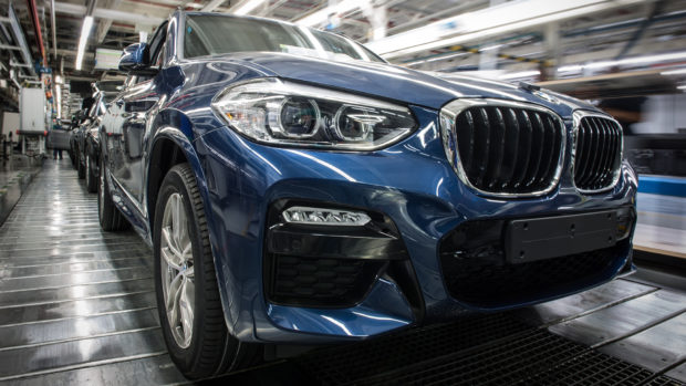 Автомобилни гиганти спират производството заради кризата с коронавируса