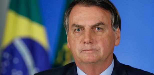 Бразилският президент Жаир Болсонаро наложи вето на носенето на маски на закрито