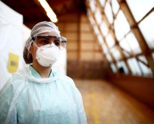 Френска студентка по медицина е на първа линия в борбата с COVID-19
