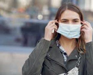 От днес носенето на маска в Каталуния е задължително