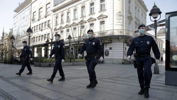 Сърбия въвежда полицейски час за целия уикенд