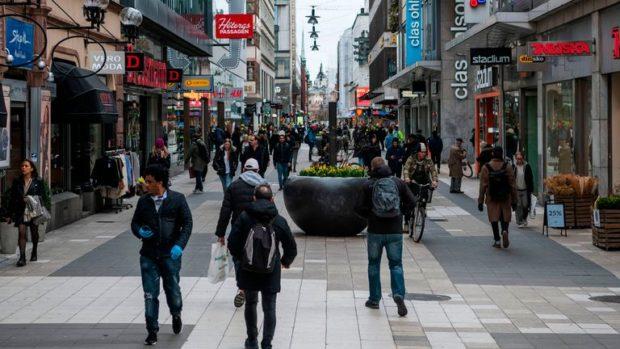 Остри критики срещу либералната стратегия на Швеция срещу COVID-19