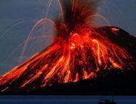 Вулкан изригна на Канарските острови, евакуираха хиляди хора