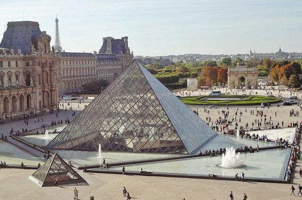 Лувърът отново отвори след 4-месечна пауза, посетителите се наслеждават на Мона Лиза
