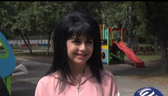 Доброволци обновяват площадката на столична детска градина заради предстоящото отваряне на 26 май