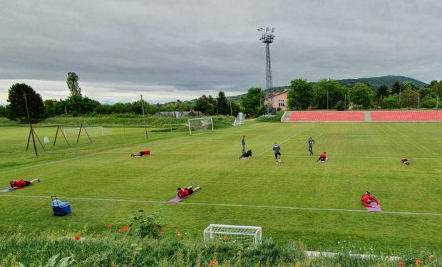 ЦСКА-София тренира на групи на базата в Панчарево