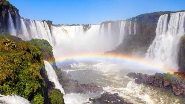 След обилни дъждове водопадите Игуасу отново очароват с красотата си