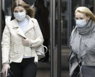 Москва отпуска ограниченията, въпреки големия брой заразени