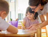 Държавата осигурява детегледачки за работещи родители до 2023 година