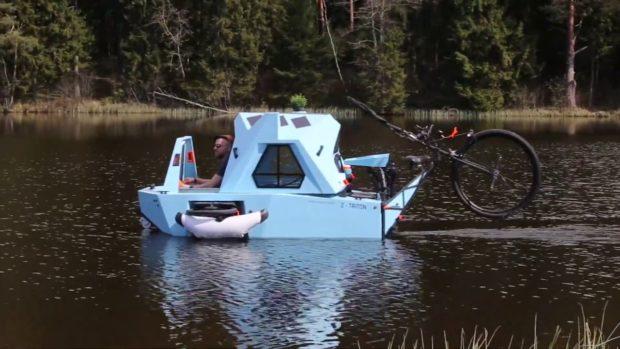 Латвиец създаде удобен дом на колела, който може и да плава