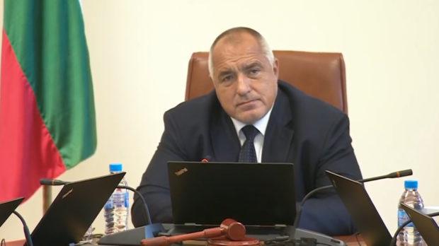 Третата вълна на COVID-19 у нас приключи, България вече не е сред страните с висок риск