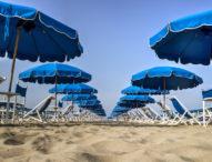 Хотелиери настояват чадърите на плажа да са безплатни за 3 години