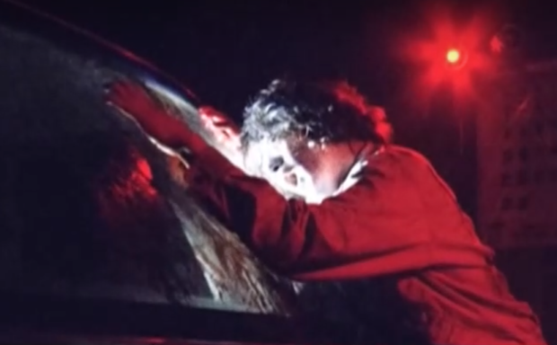 Зомбита завладяха Токио: Актьори предлагат истинско хорър преживяване в автотеатър