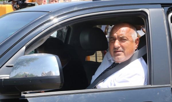 Премиерът Бойко Борисов посети пропадналия път Банско – Гоце Делчев