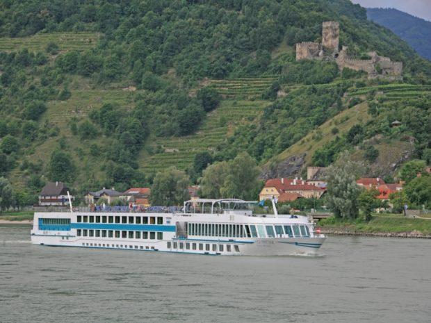 Спад при круизния туризъм по Дунав заради коронавируса